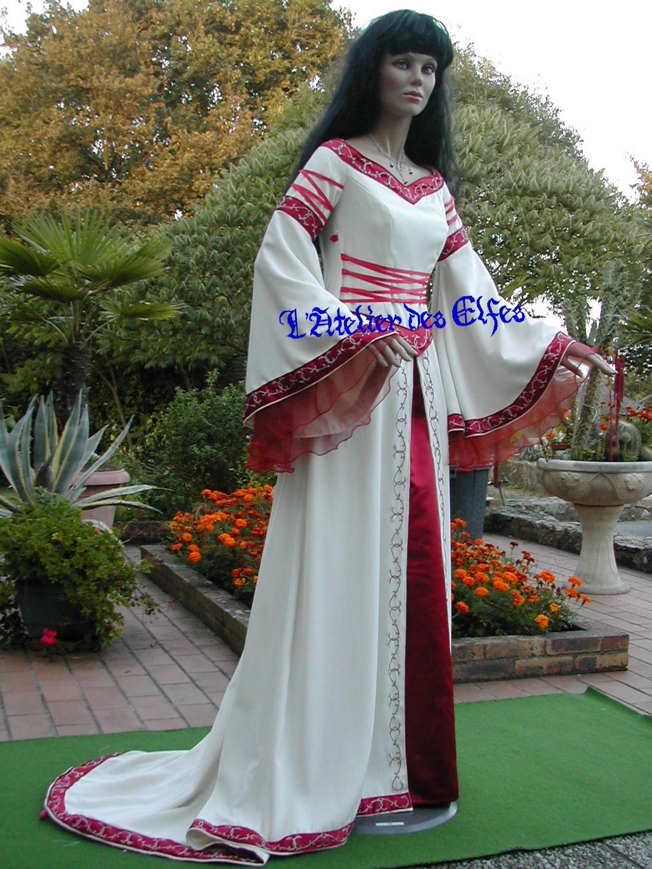 Robe de mariee medievale rouge