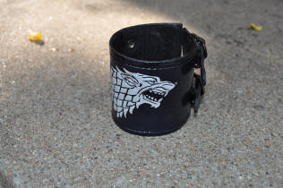 Bracelet de force avec motif repoussé, games of thrones